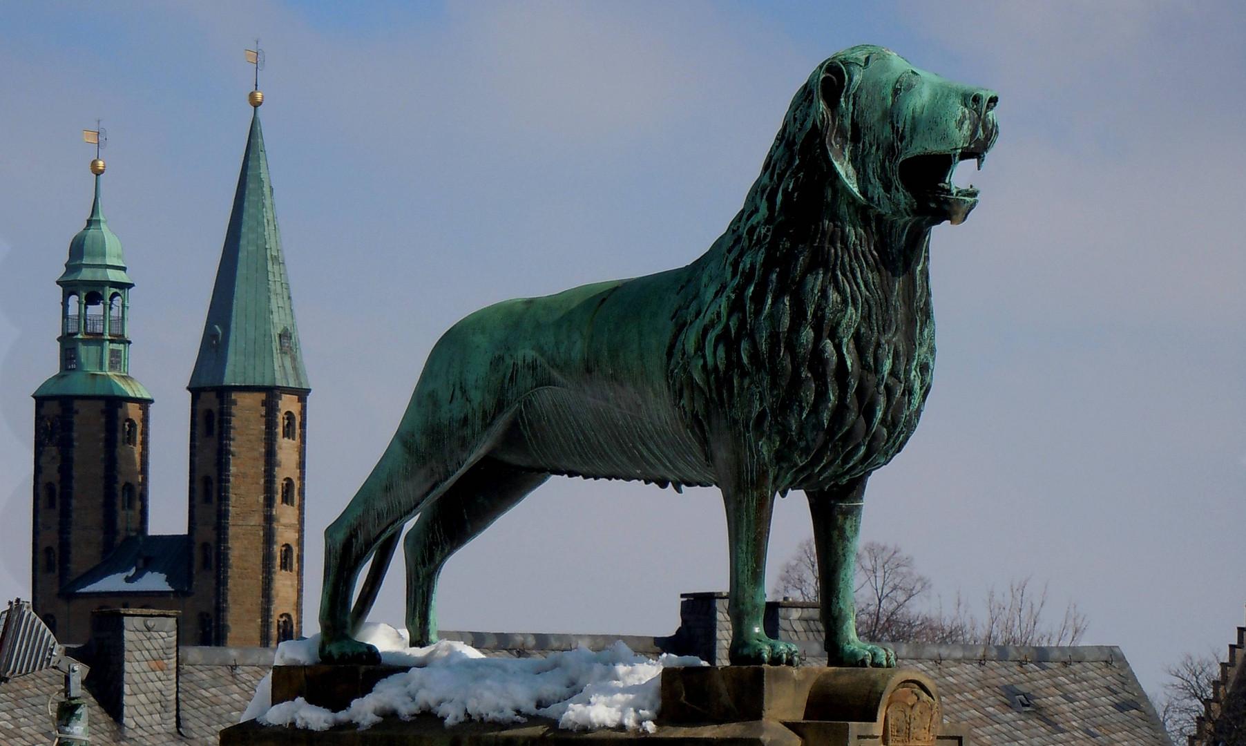 Unter Schutz des Löwen...