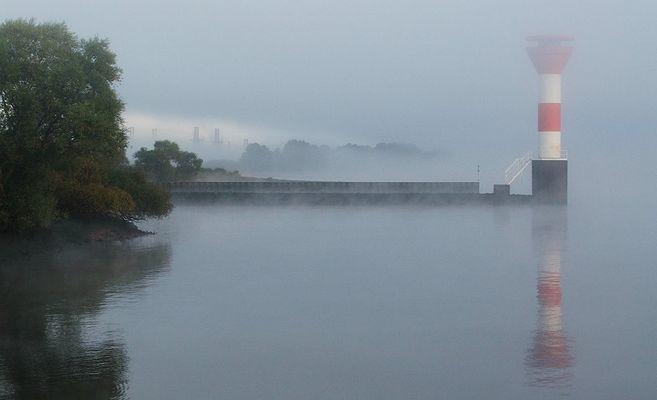 Unterfeuer Stadersand im Nebel.