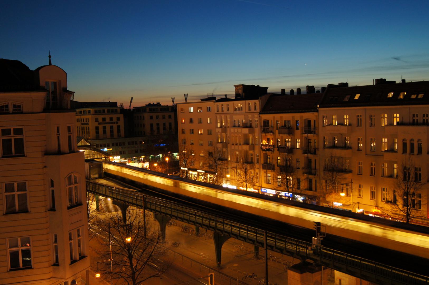 Untergrund Bahn an der frischen Luft