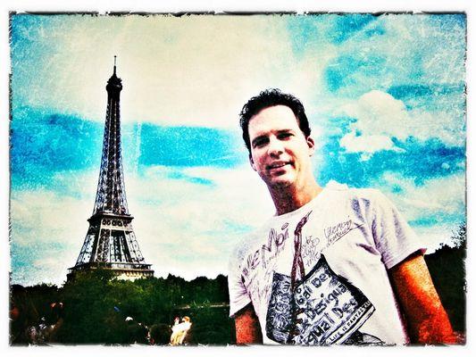 unterm Turm in Paris