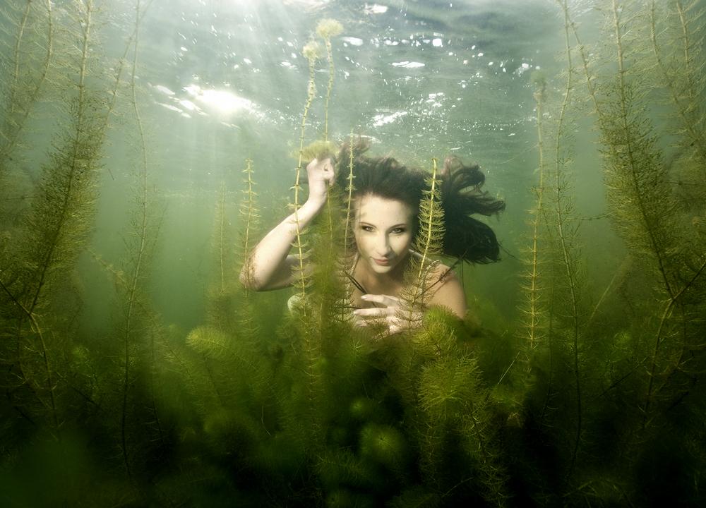 Unterwasserjägerin