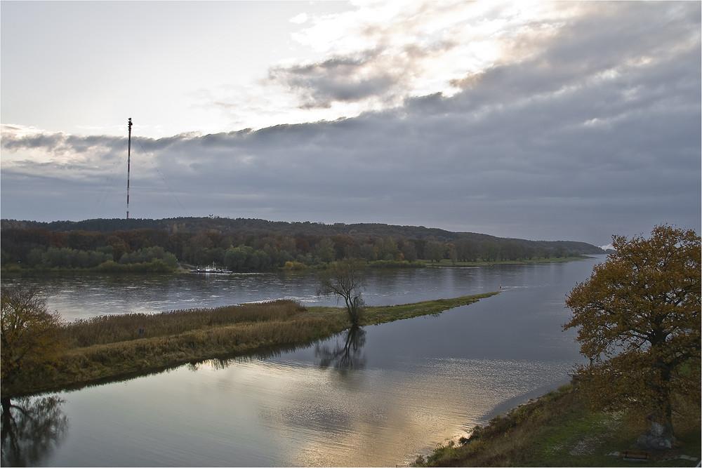 Unterwegs an der Elbe II