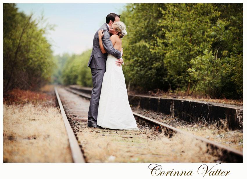 Unterwegs - Hochzeitsfoto Bahnhof Kranenburg