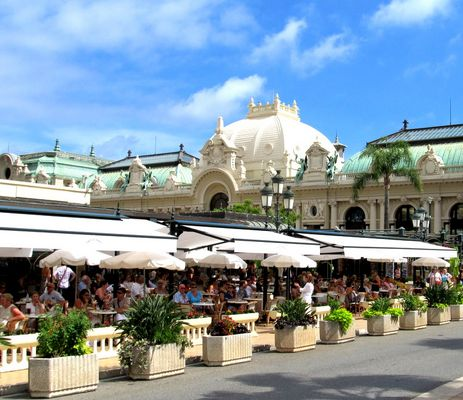 Unterwegs in Monaco....das berühmte Cafe de Paris...