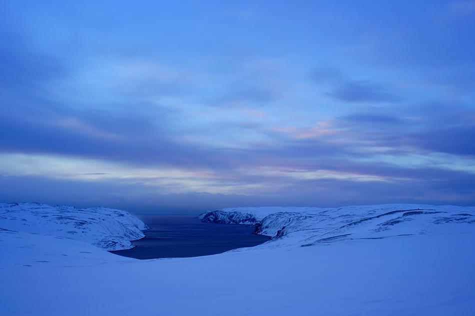 Unterwegs zum Nordkapp im Winter – Blick zum Nordend in der beginnenden Abenddämmerung