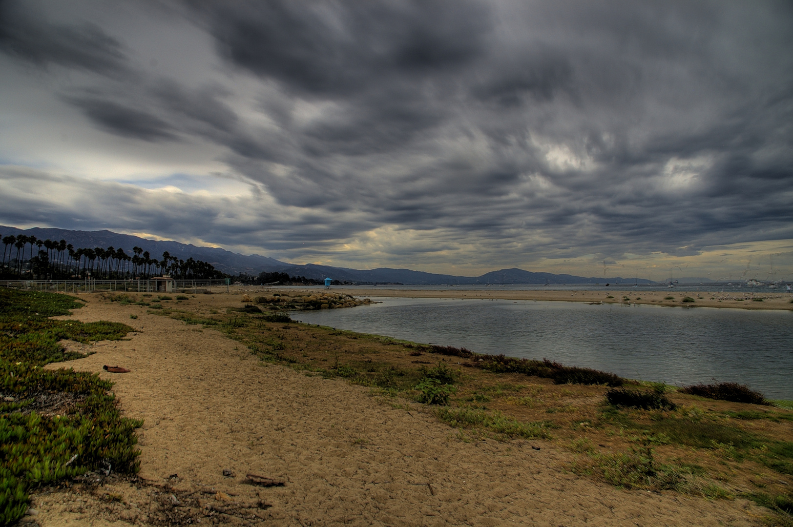 Unwetter zieht auf in Santa Barbara