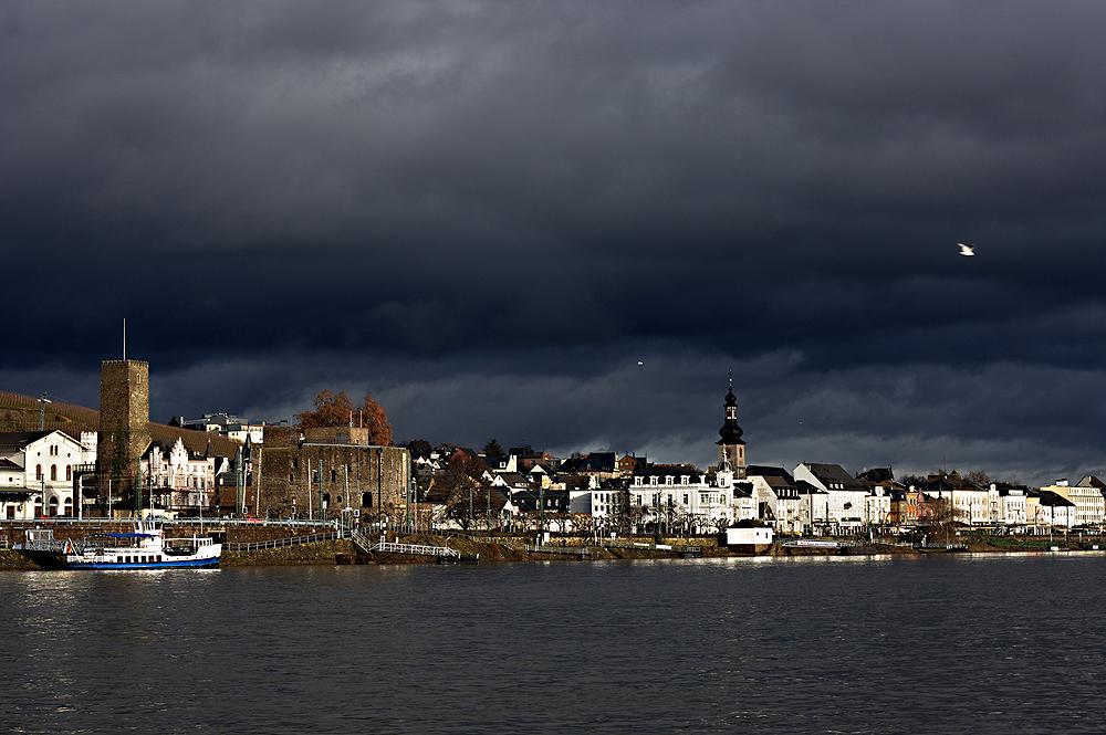 Unwetter zieht auf über Rüdesheim