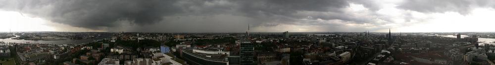 Unwetterfront über Hamburg