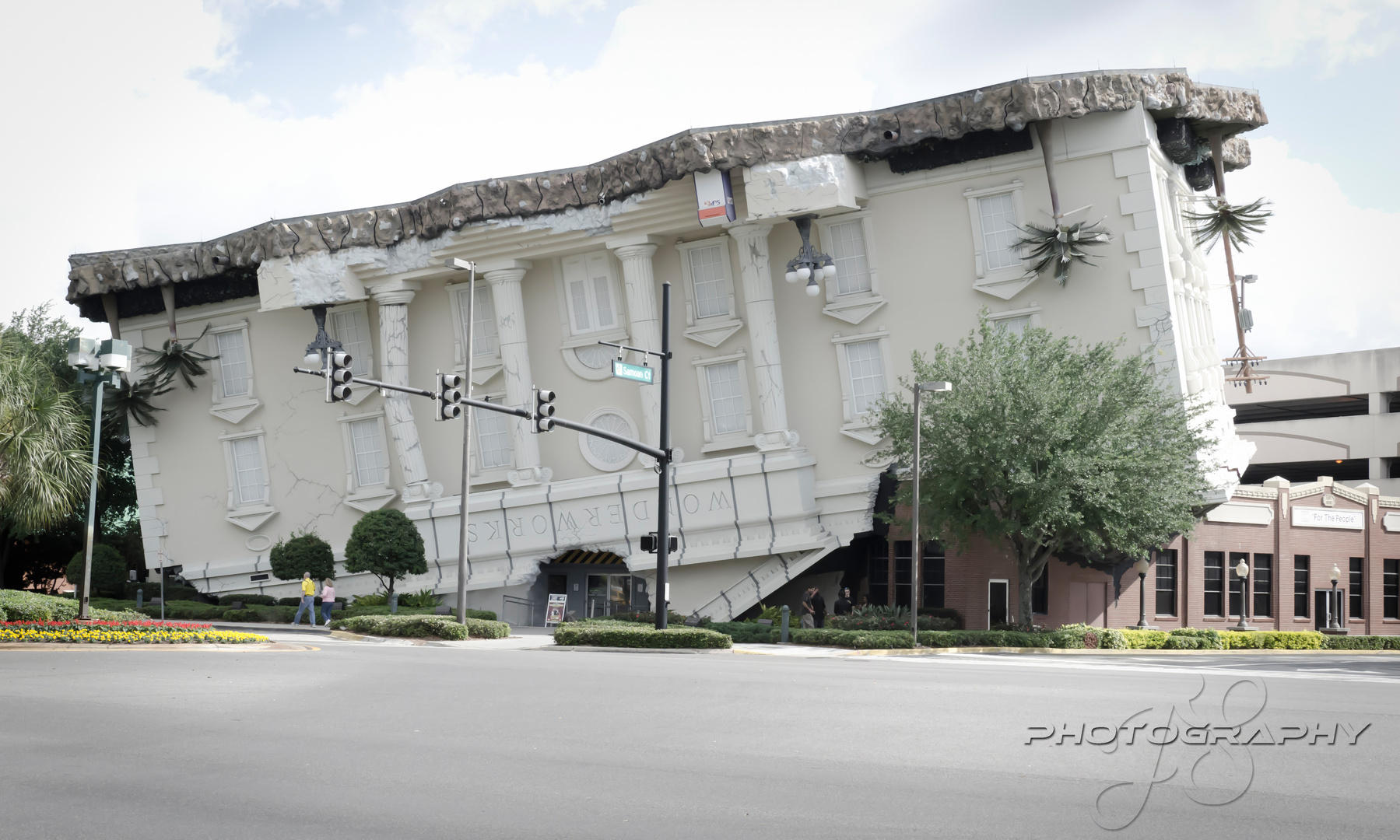 Upside Down House Orlando, Florida