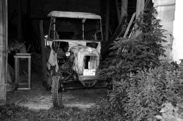 Uralter Traktor