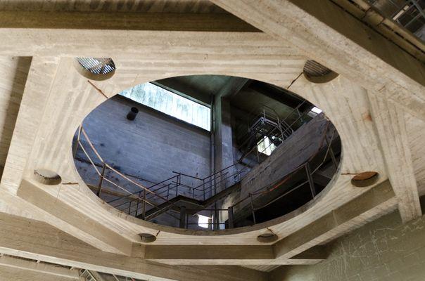 Urban Exploration #9: Das Loch in der Decke