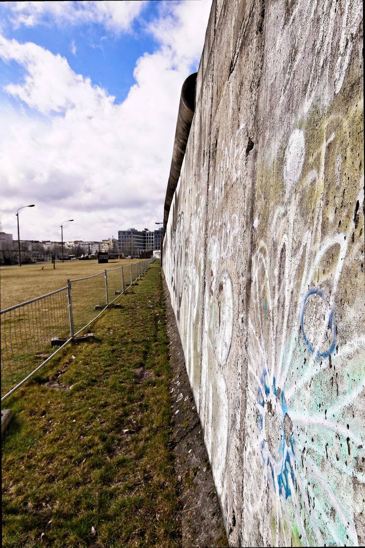 Urbanes - Tear down the walls