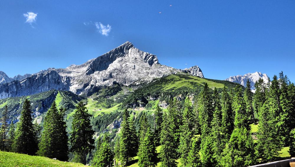 Urlaubstage in Grainau- Kreuzeckalm......., mit Blick zur Alpspitze