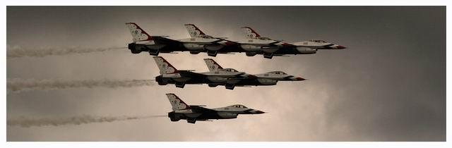 USAF Thunderbirds in Flight