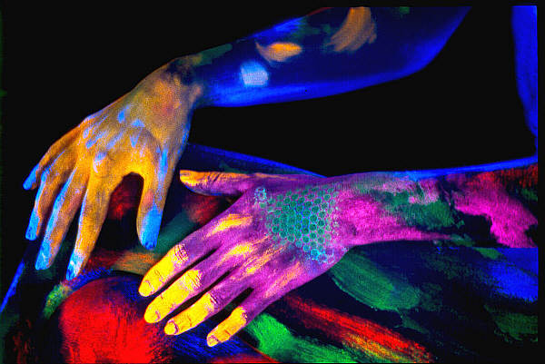 Uv licht bodypainting foto bild x archiv digiart for Uv licht teichanlage