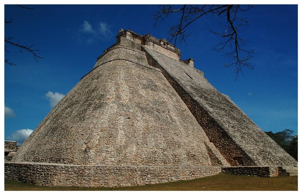 Uxmal- Die Adivino-Pyramide