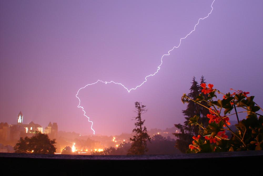 uzerche sous l'orage