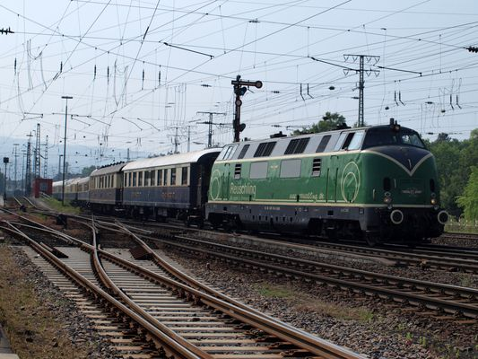V 200 mit Rheingold
