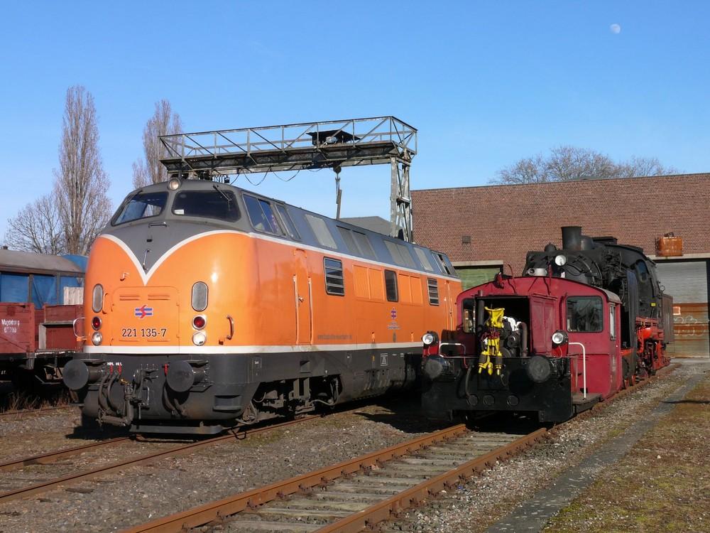 V200 in Orange