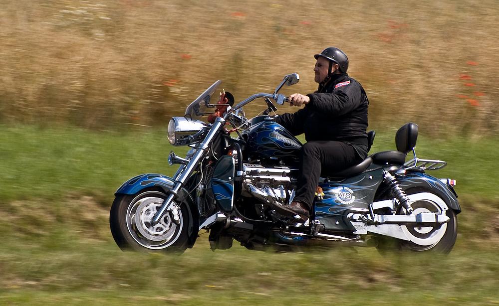 V8 rider