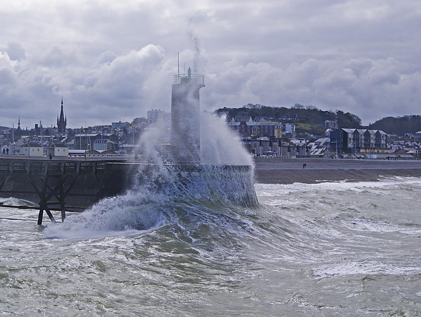 vague à Fécamp, Seine maritime