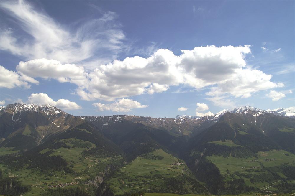 Val Lumnezia; rechte Talseite