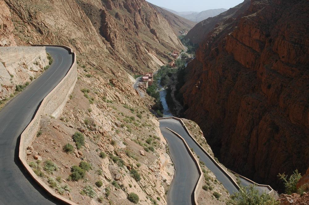 Vallée du DADES - Route entre AIT-OUDINAR et MSENRIR