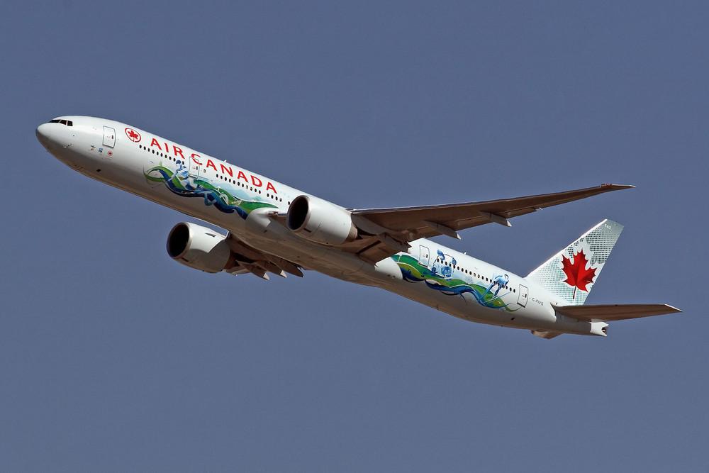 Vancouver 2010 - Air Canada Boeing 777-333(ER) (C-FIVS)