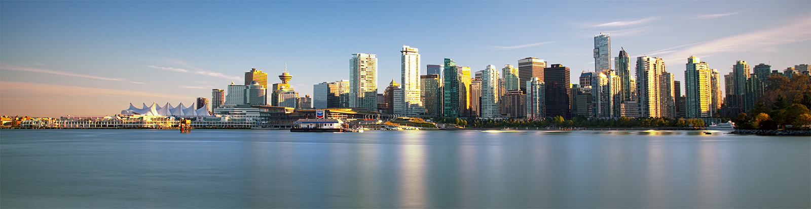 VANCOUVER - DOWNTOWN AND WATERFRONT