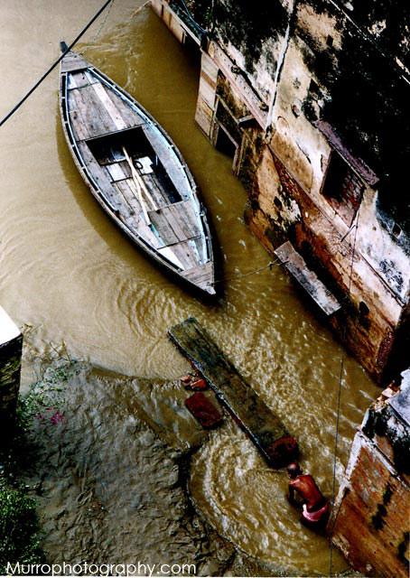 Varanasi, piena del Gange,2003