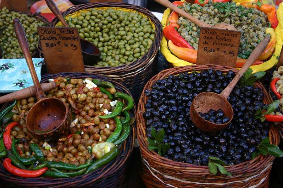Variationen mit Oliven