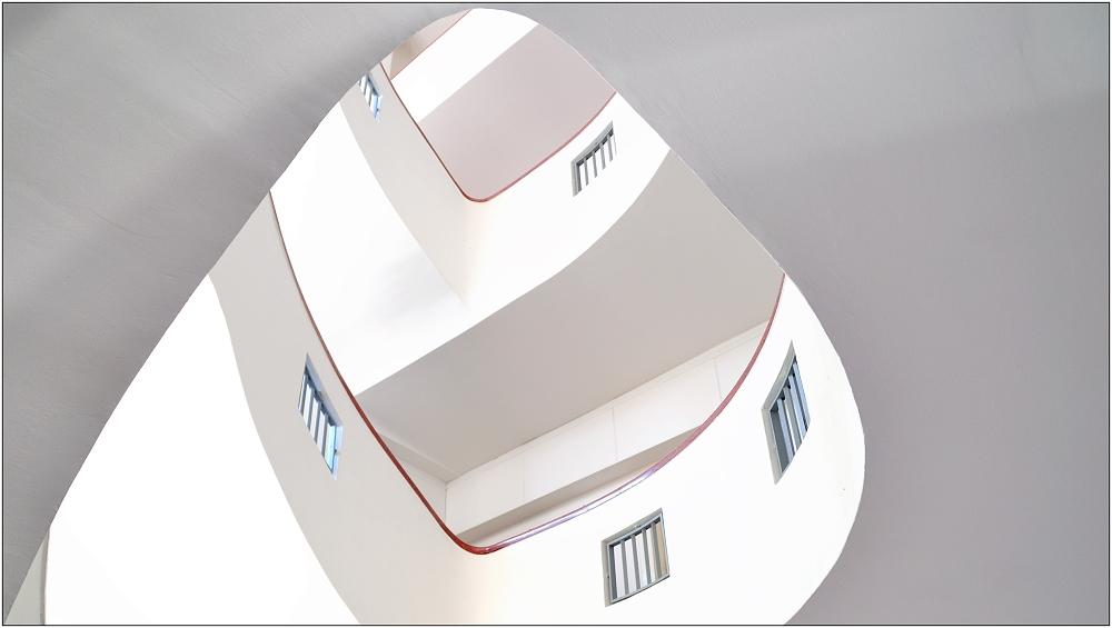 ... Variationen über ein Treppenhaus #17 ...