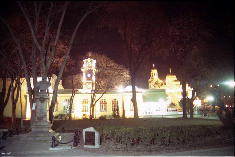 Varna -Theater, Katedrale und Denkmahl des Graffen Ignatiev, by Night