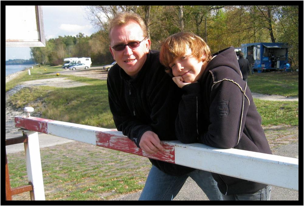 Vater & Sohn am Rhein