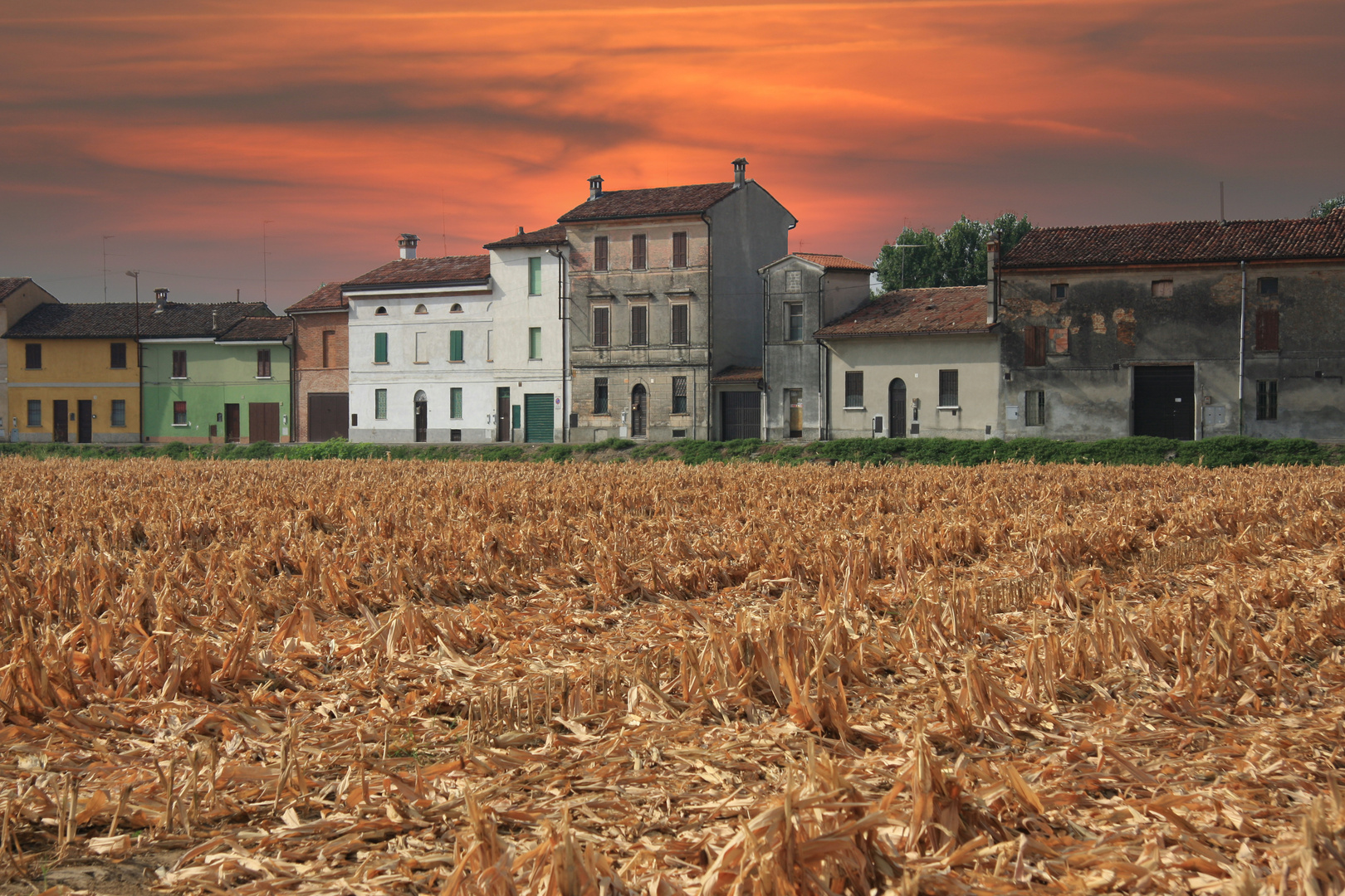 Vecchie case di campagna foto immagini paesaggi for Case di campagna basse