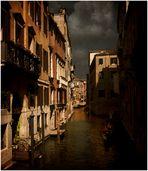 veduta di un rio veneziano
