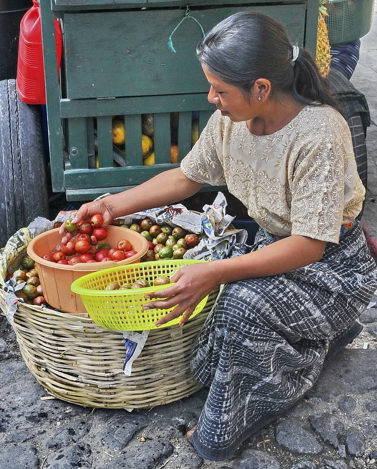 Vendedora de Fruta-2  en Antigua /Guatemala