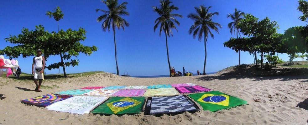 VENDEUR DE SERVIETTES DE PLAGE AU BRESIL