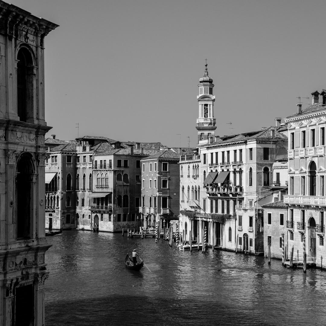 Venecia B&W 9