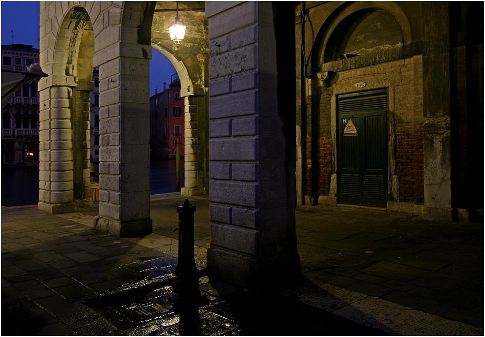 Venedig bei Nacht - Fischmarkt - Sonntag, 7.30h