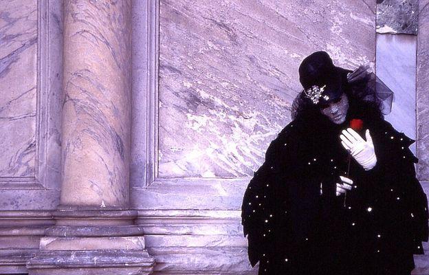 Venedig Karneval grau