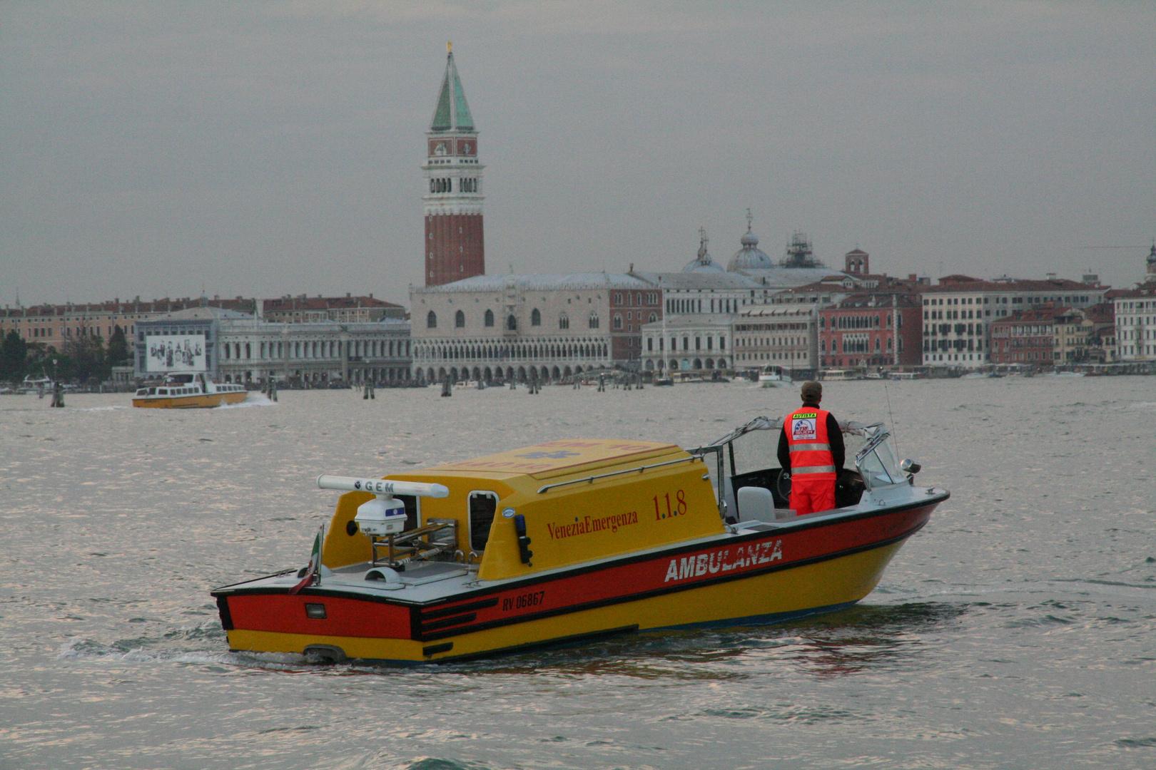 Venedig -Rettungsdienst in der Lagunenstadt-