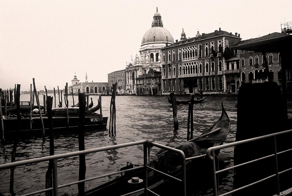 """""""Venezia non sarebbe Venezia senza quella patina di melanconia"""""""