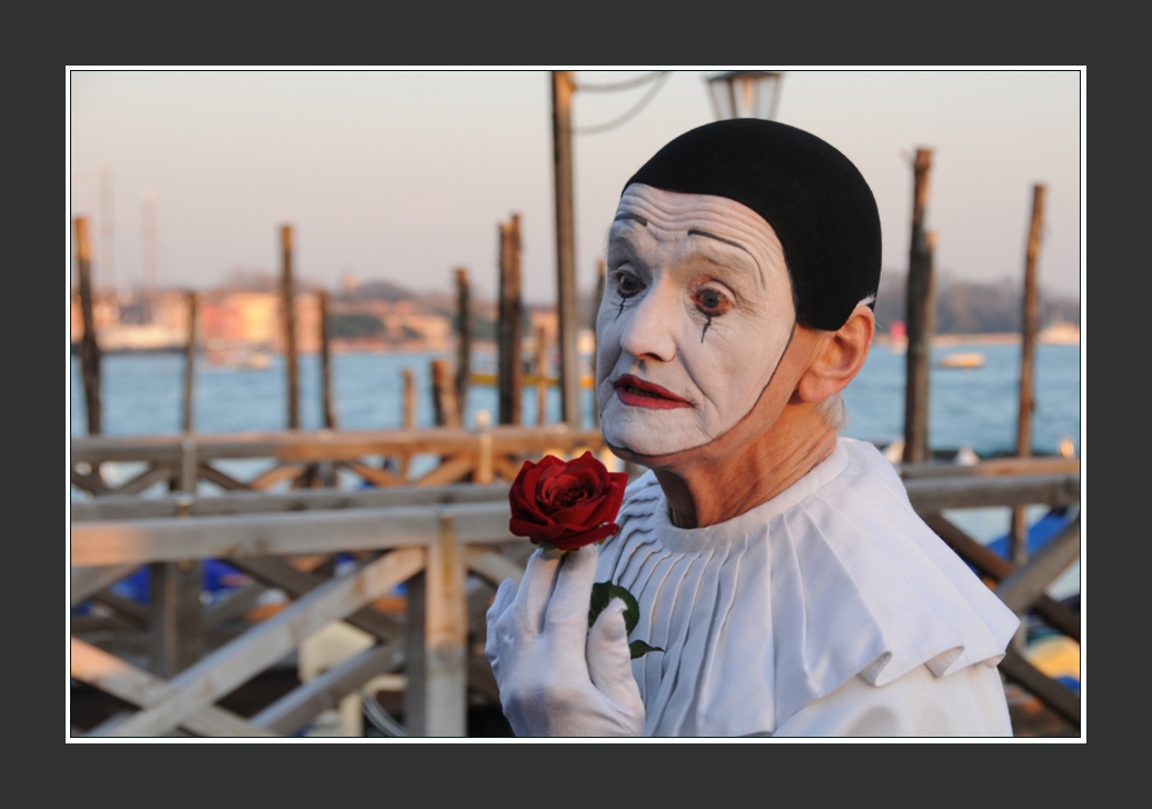 Veniseà l'instant du Carnaval... Pierrot