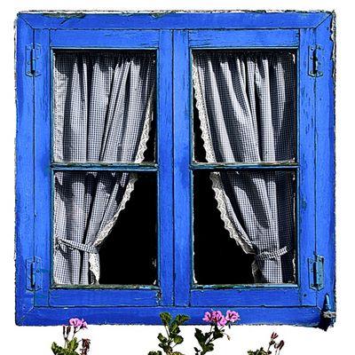 Ventana azul / Finestra blava