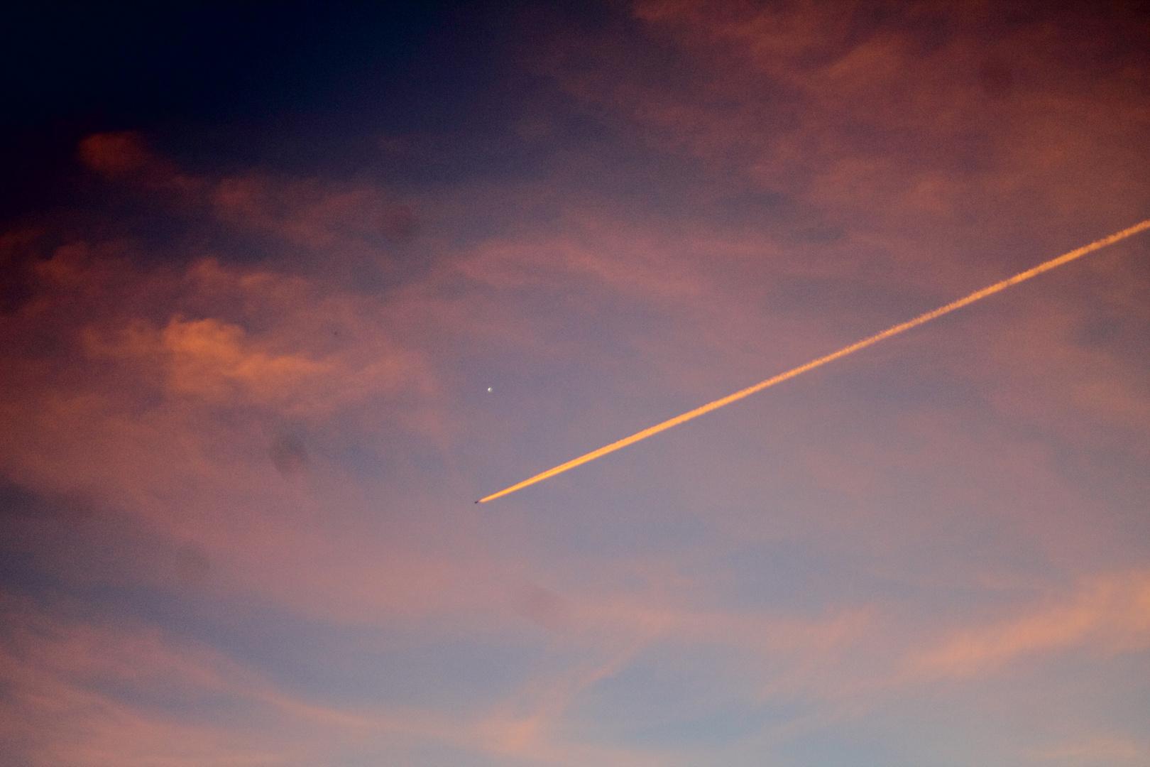 Venus mit Flugzeug