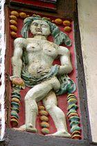 Venus (oder Eva?) am Brusttuch in Goslar/Harz