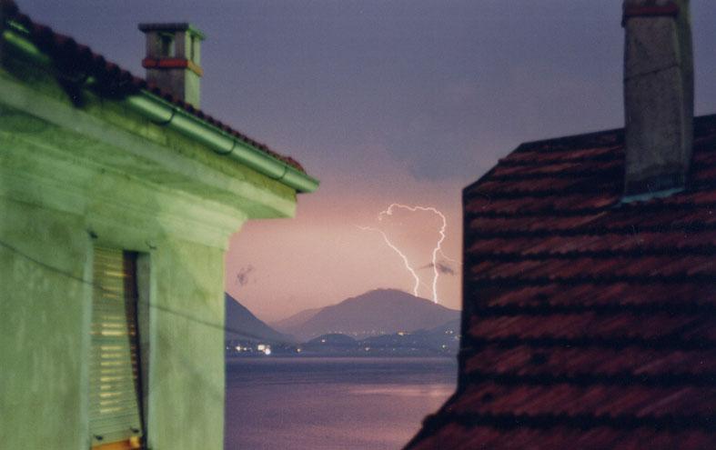 Verbania - Blitze im Himmel und Herzen