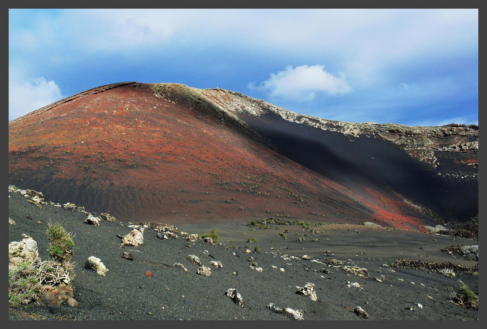 Verbrannte Erde im Gebiet der Feuerberge (Timanfaya Nationalpark)