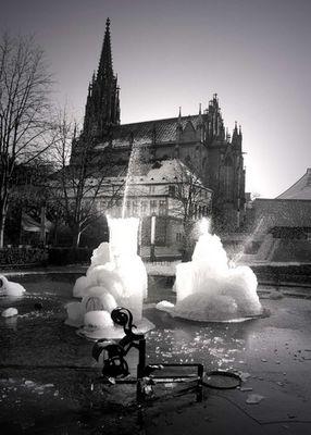 vereister Tinquely Brunnen - Basel